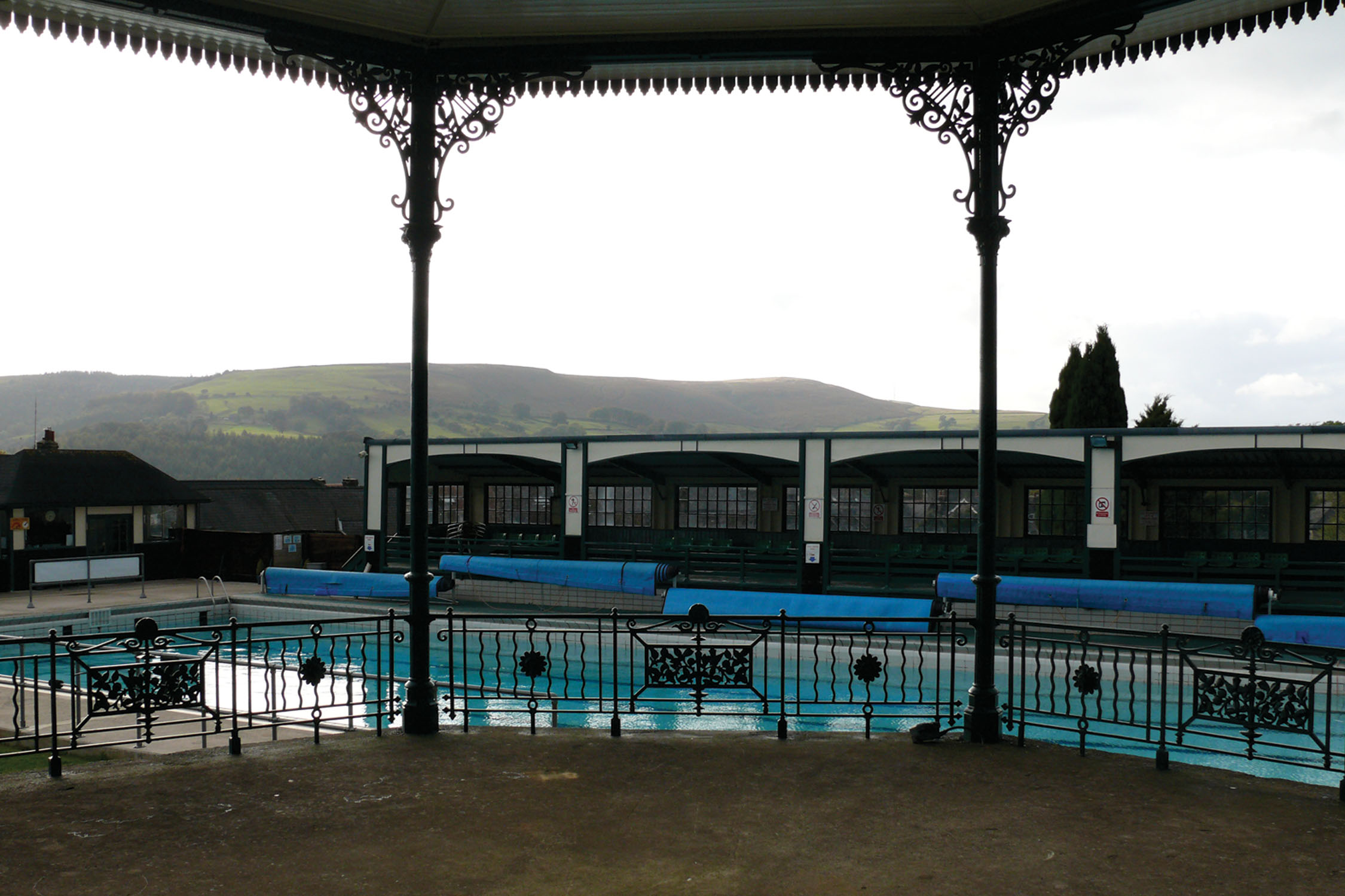 Hathersage swimming pool our favourite places - Hathersage open air swimming pool ...